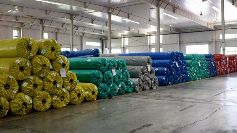 A simple guide to producing synthetic grass – Wrapping, packing, shipping and unloading